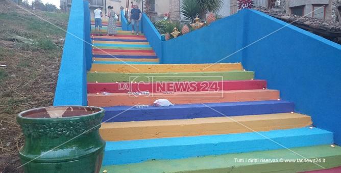 Seminara, la scalinata del borgo restaurata da volontari ed emigranti