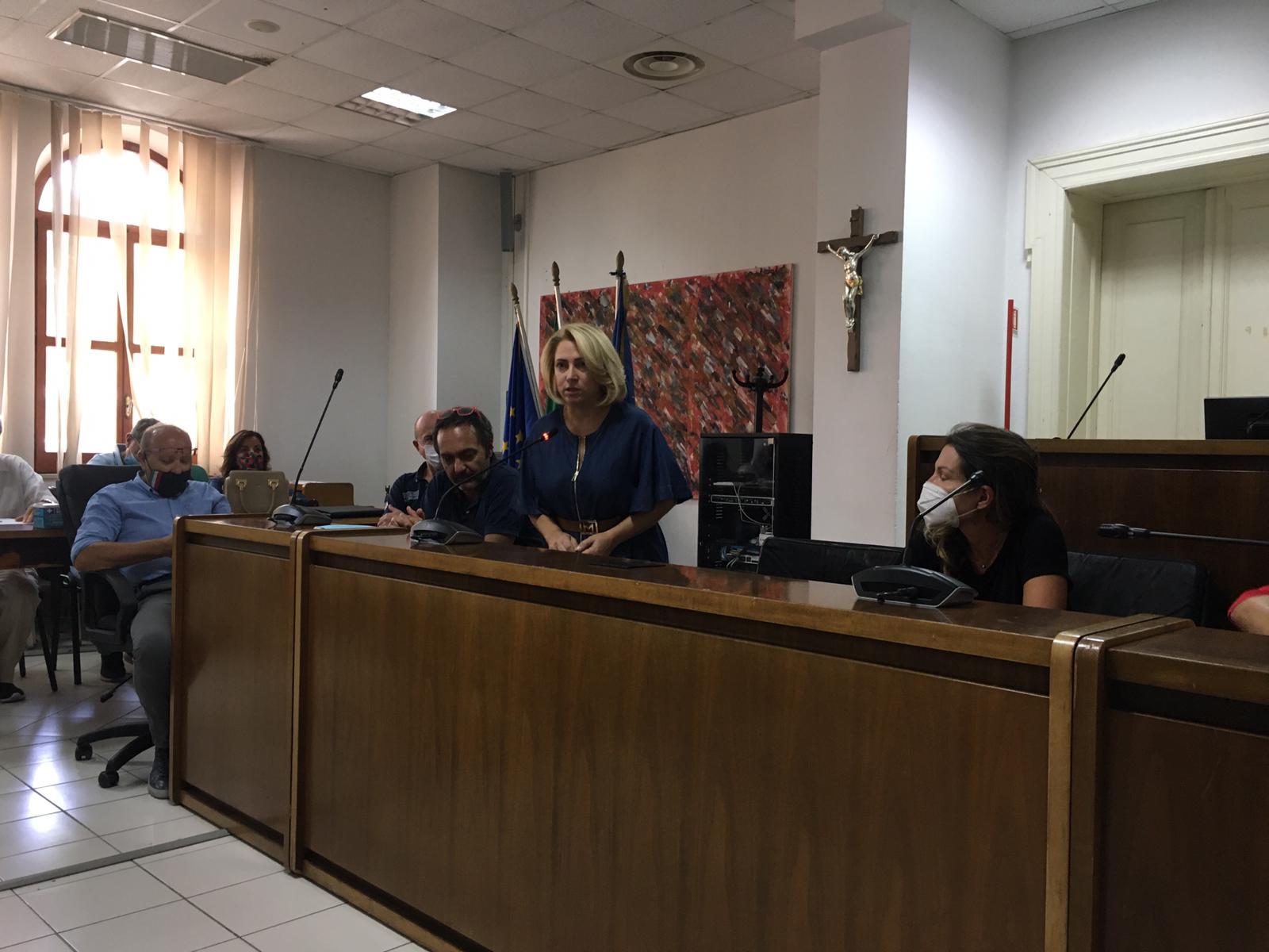 Incendio all'impianto rifiuti di Siderno, confronto tra sindaci e tecnici