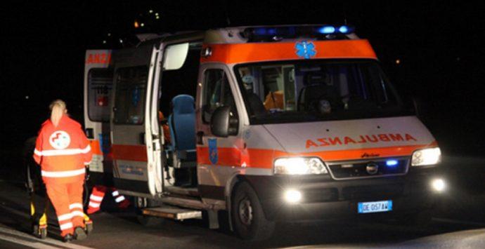 Incidente mortale a Bovalino, donna travolta da un'auto