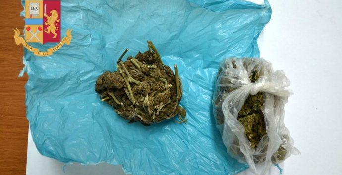 Rosarno, beccato con la cannabis in indumenti intimi. In manette 20enne