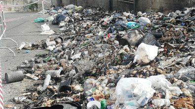 Emergenza rifiuti, ancora fiamme a Lazzaro. La denuncia dell'Ancadic