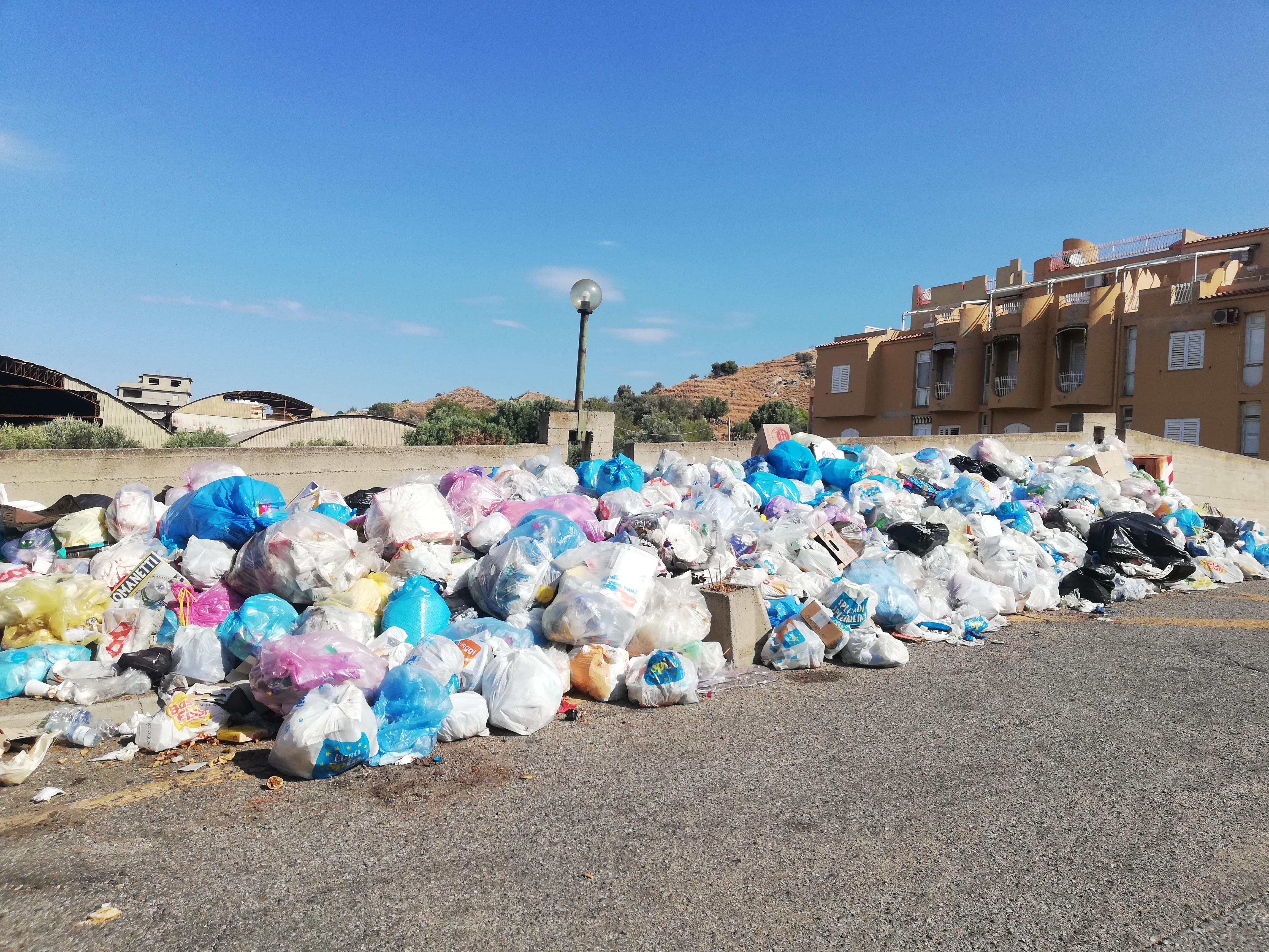 Rifiuti a Reggio Calabria, confronto pubblico tra i candidati al Parco Ecolandia