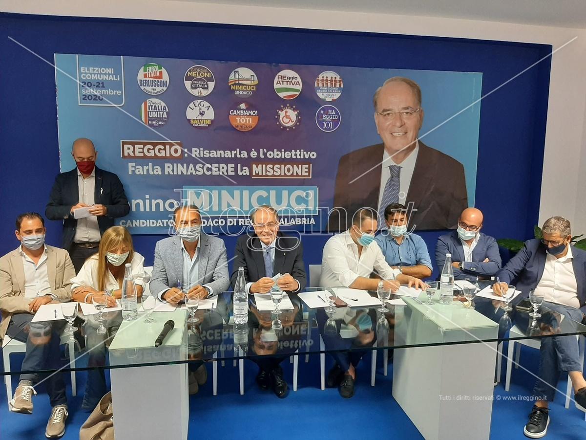 Elezioni comunali a Reggio Calabria, il centrodestra sull'evento al waterfront: «Ennesima pagliacciata»