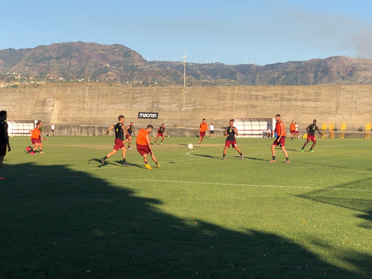 Calcio, la Reggina cede Sounas al Perugia
