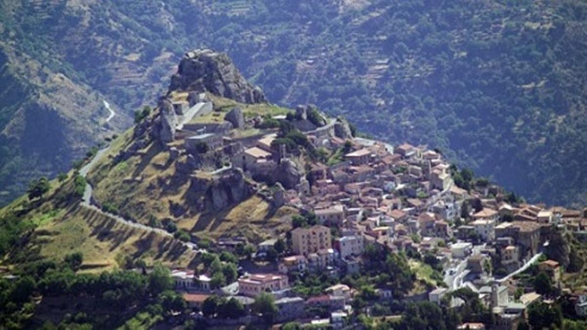 Elezioni comunali a Roccaforte del Greco, i risultati definiti: Penna confermato sindaco