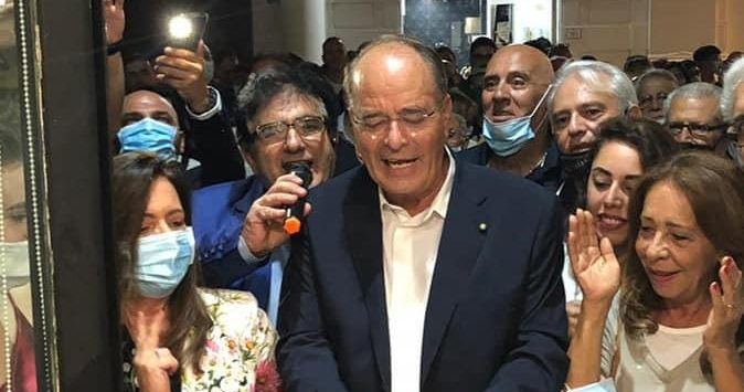 Elezioni Reggio, bagno di folla per l'inaugurazione della segreteria di Minicuci