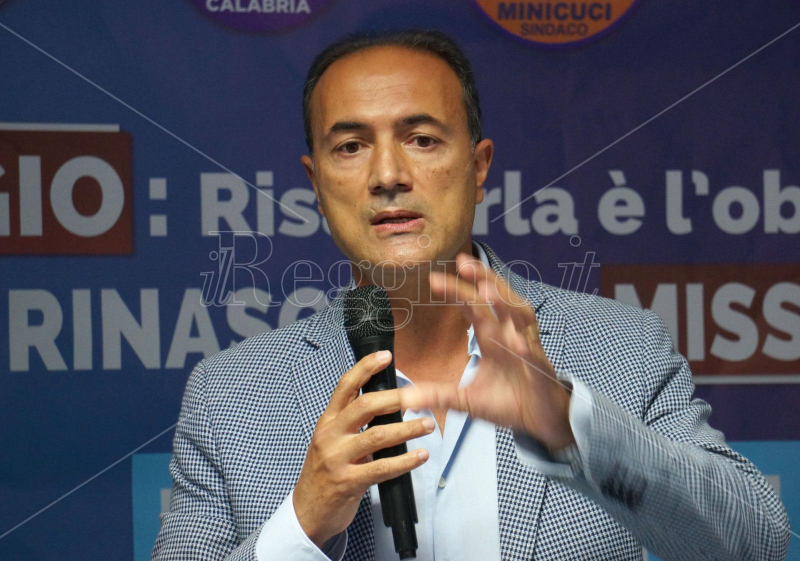Giannetta presenta proposta di legge che introduce la figura del farmacista abilitato