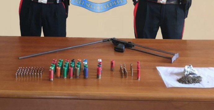 Placanica, scovato deposito di armi e munizioni in un rudere