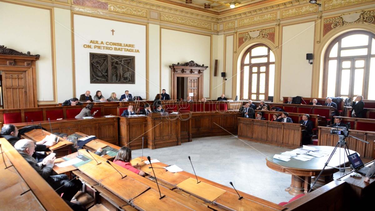 Risultati elezioni comunali Reggio Calabria, i seggi attribuiti e le preferenze per candidato. Ecco chi entrerebbe ora in Consiglio. NOMI