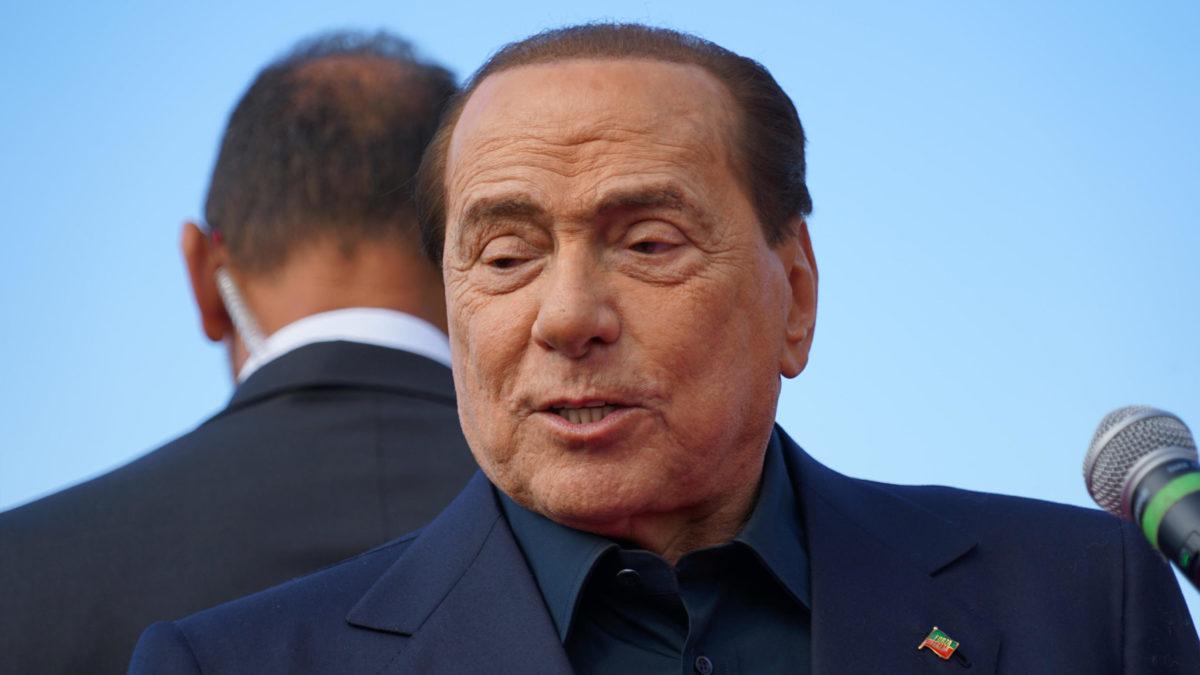 Coronavirus, Berlusconi ricoverato al San Raffaele di Milano