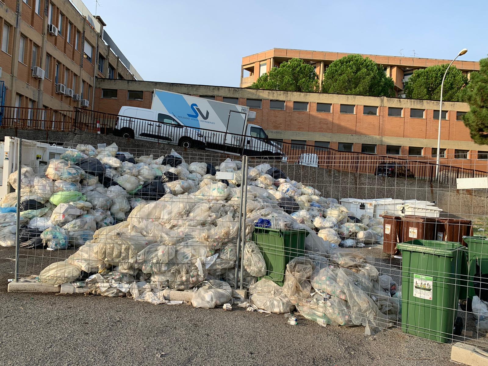 Reggio Calabria, il Patto civico: «Questione rifiuti ancora irrisolta»