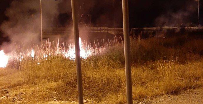 Bova Marina, incendio doloso ad Archeoderi. Il Parco Archeologico poteva essere l'obiettivo