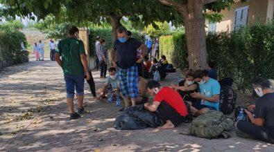 Coronavirus, 3 migranti positivi tra i 60 sbarcati a Monasterace