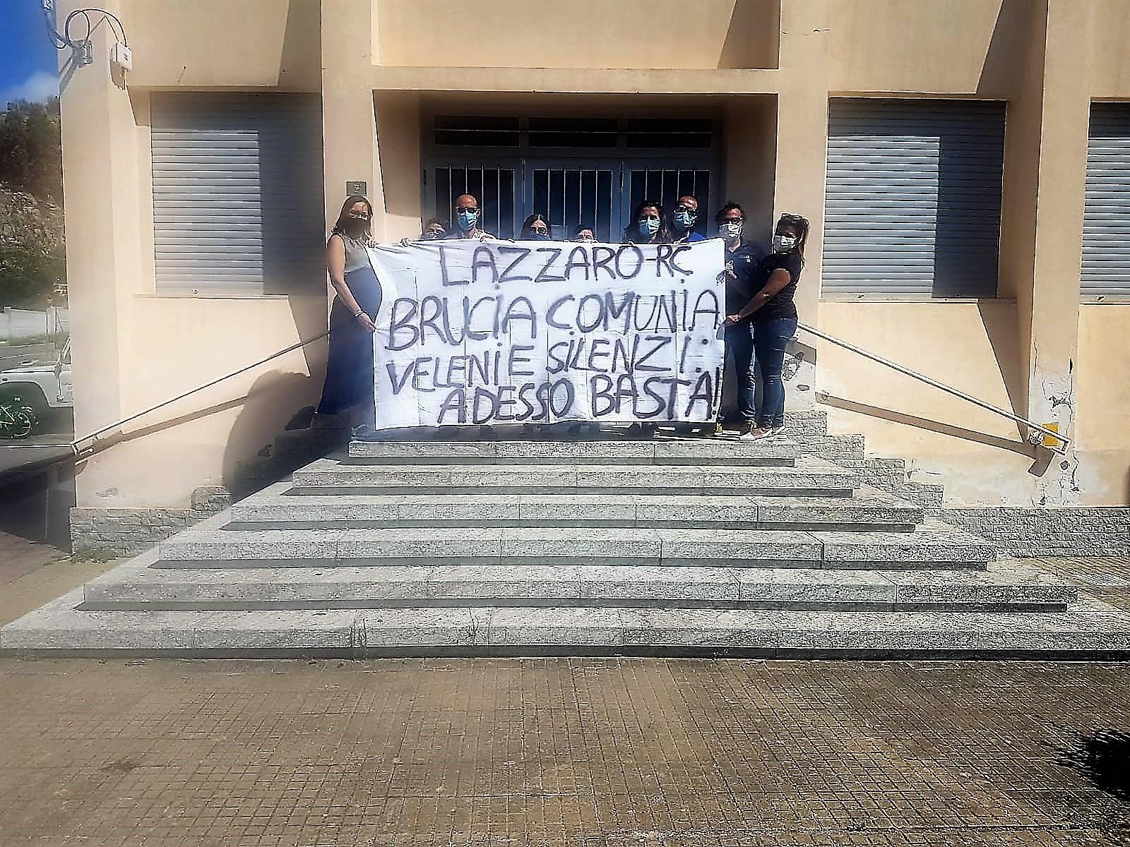 Discarica di Comunia, continua la protesta pacifica dei cittadini