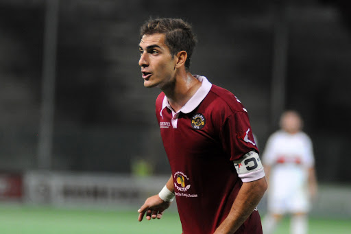 Calcio, la Reggina cede De Francesco all'Us Avellino