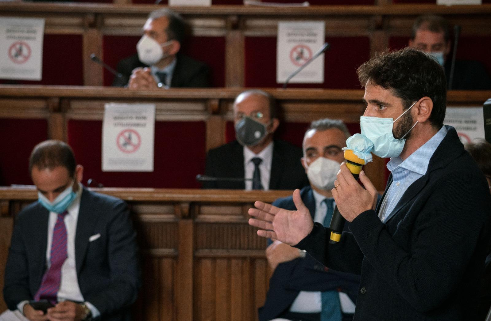 Pazzano chiede un Consiglio Comunale sull'emergenza Covid in città