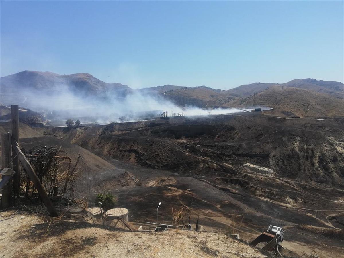 Lazzaro, incendio Comunia: l'assemblea dei Cittadini sollecita i risultati del monitoraggio ambientale