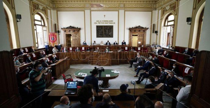 Rifiuti a Reggio Calabria, FI all'attacco: «Non si può rimandare l'emergenza»