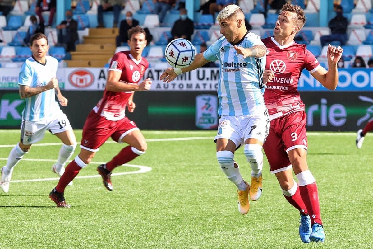 Calcio, dopo il pareggio nel derby Reggina pronta a rifarsi col Pordenone