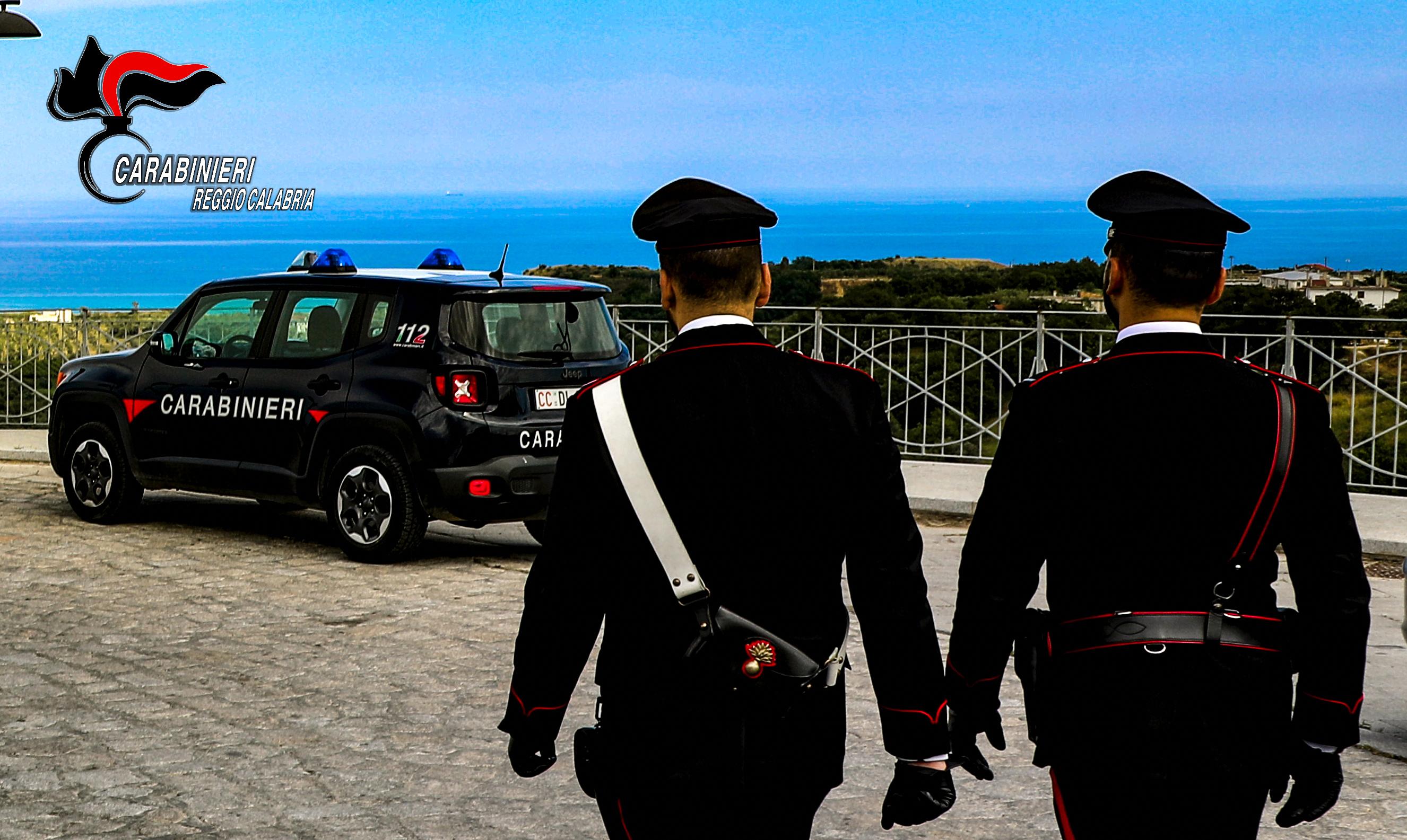 Sbarco di 76 migranti a Roccella, i carabinieri fermano il presunto scafista