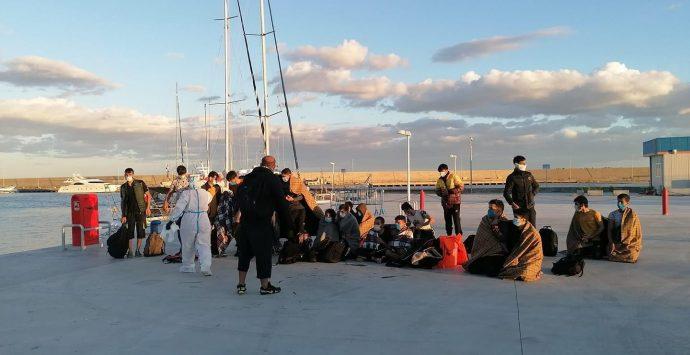 Roccella Jonica, terzo sbarco in una settimana. Soccorsi 50 migranti