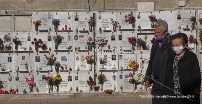 Reggio Calabria, Patto civico denuncia: «Cimitero di Modena abbandonato all'incuria»