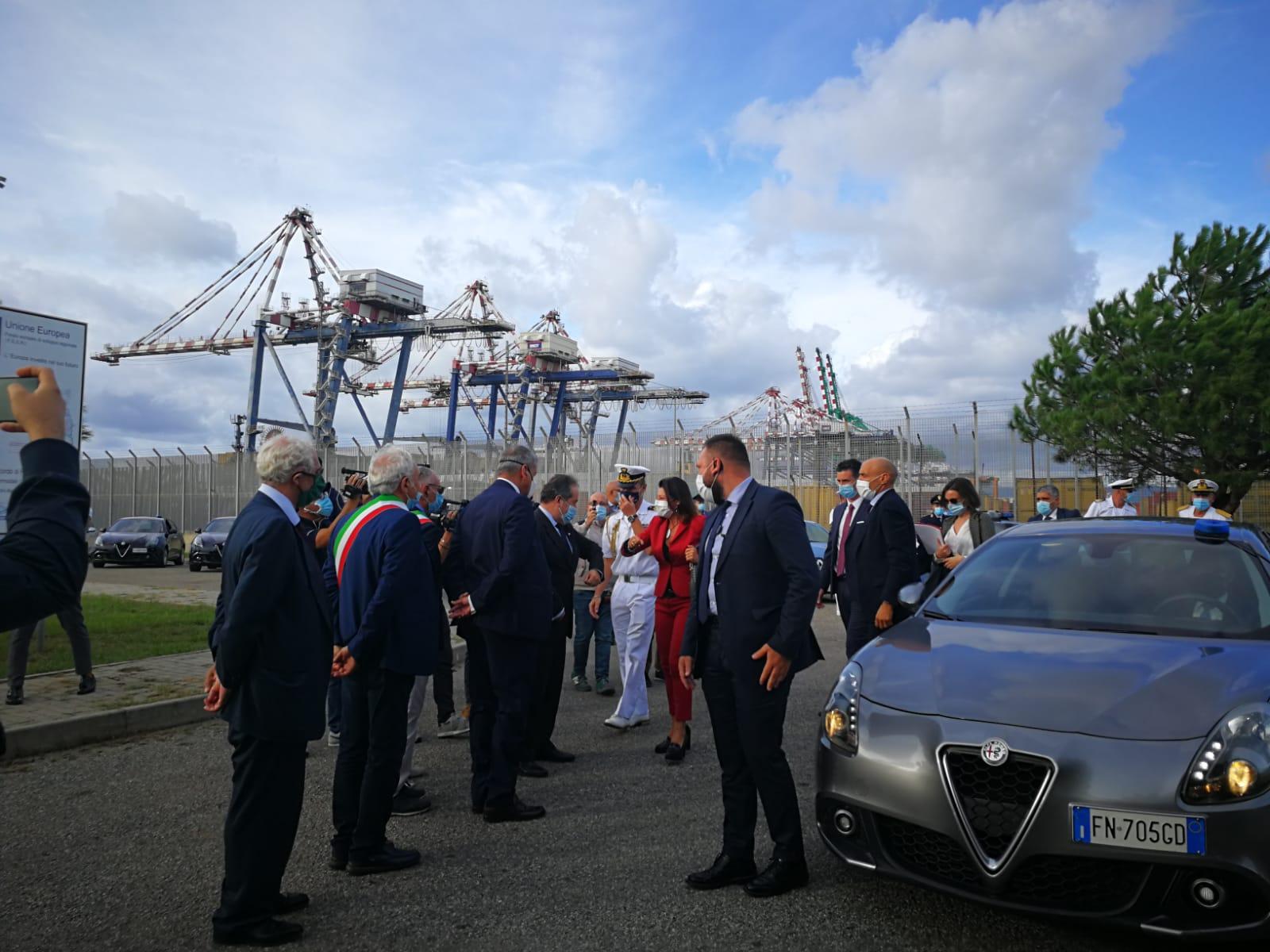 Porto di Gioia e Recovery Fund, la ministra De Micheli apre il dibattito ma sbaglia esempio