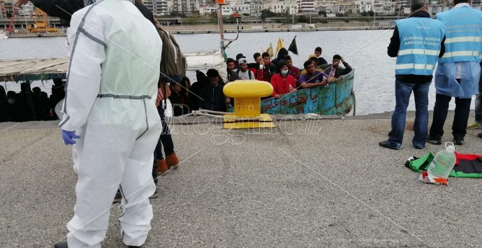 Sbarco a Reggio Calabria, soccorsi 53 migranti