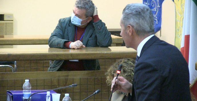 Taurianova, insediata prima Giunta leghista in Calabria: Spirlì in aula tra gli applausi