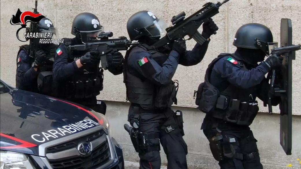 Reggio Calabria, uomo si barrica in casa nel quartiere di Sbarre. Intervengono i carabinieri