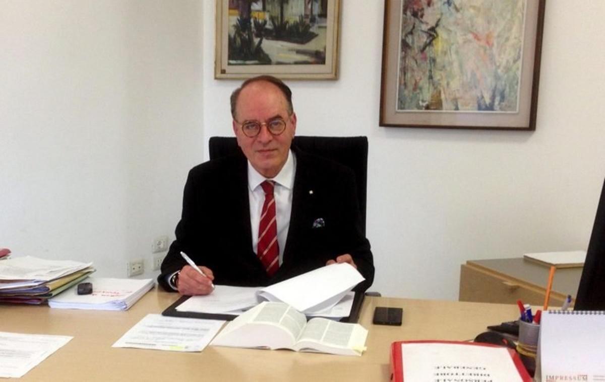 Reggio Calabria, Minicuci: «Il sindaco chieda scusa per come ha ridotto la città»