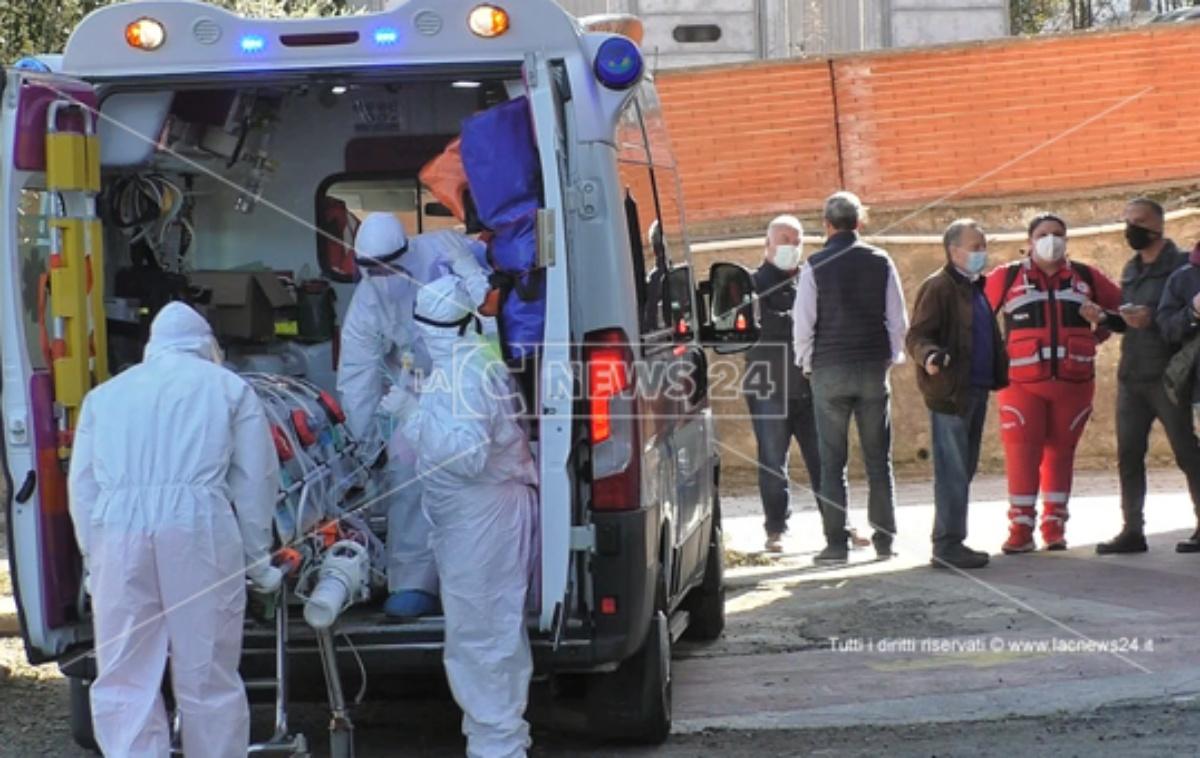 Coronavirus, trasferito a Gioia Tauro il primo paziente proveniente dal Gom