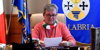 Sanità Calabria, Spirlì contro il ministro Speranza: «Imbarazzante, deve dimettersi»
