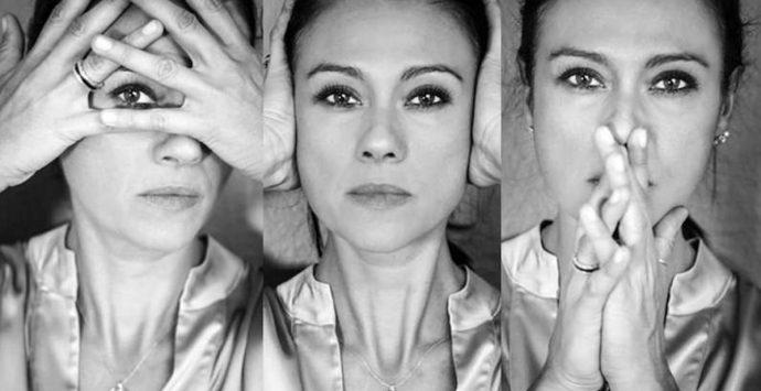 """Contro le violenze di genere: Giusy Versace presenta il libro fotografico """"I Muri del Silenzio"""""""