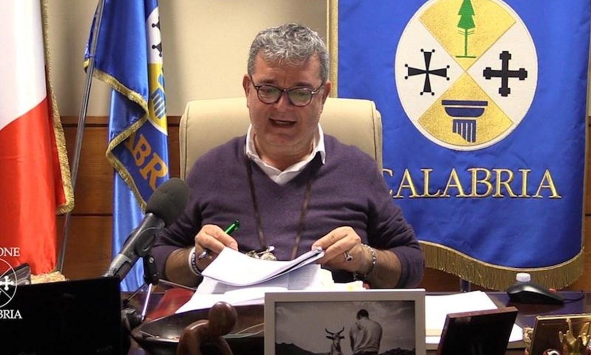 DemA Calabria: «Spirlì gioca a fare la Ferragni mentre è in atto una crisi sanitaria»