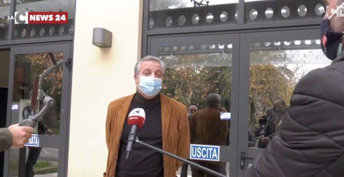 Cittanova, il sindaco: «I medici di famiglia facciano i tamponi Covid nell'ex ospedale»