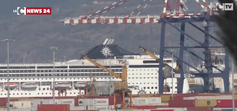 Porto Gioia Tauro, festa per la prima nave da crociera che… è solo parcheggiata