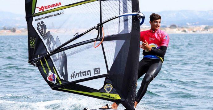 Windsurf, il reggino Scagliola a Dubai: «Sogno le Olimpiadi e un mondo senza Covid»