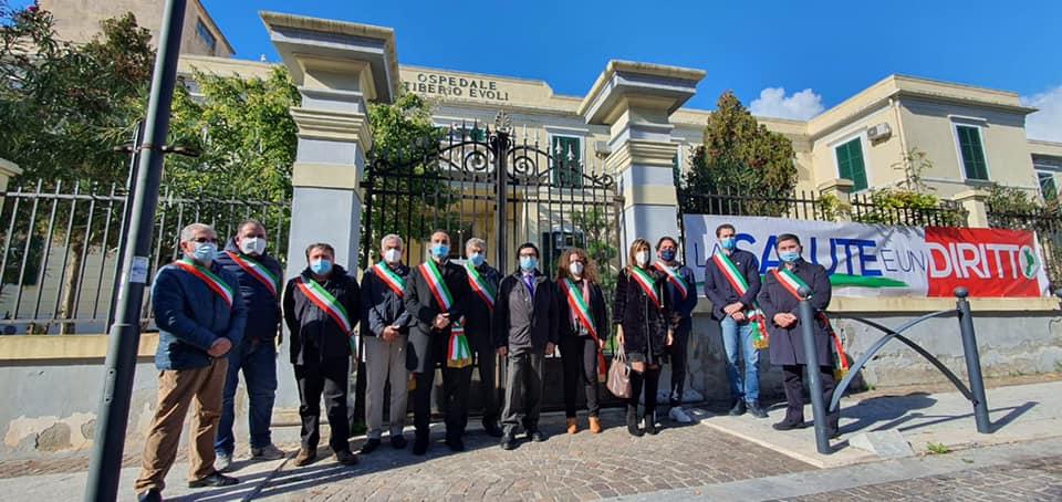 Presidio dei sindaci dell'Area Grecanica in difesa dell'Ospedale di Melito