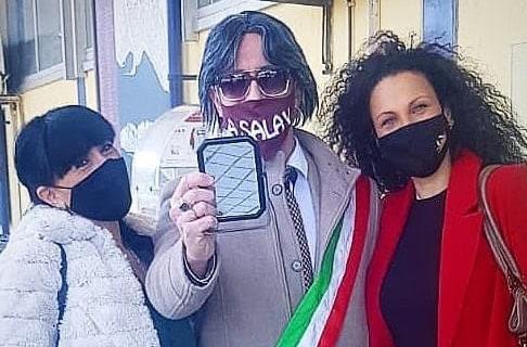 Aeroporto dello Stretto, un video di Caprì per sensibilizzare le istituzioni