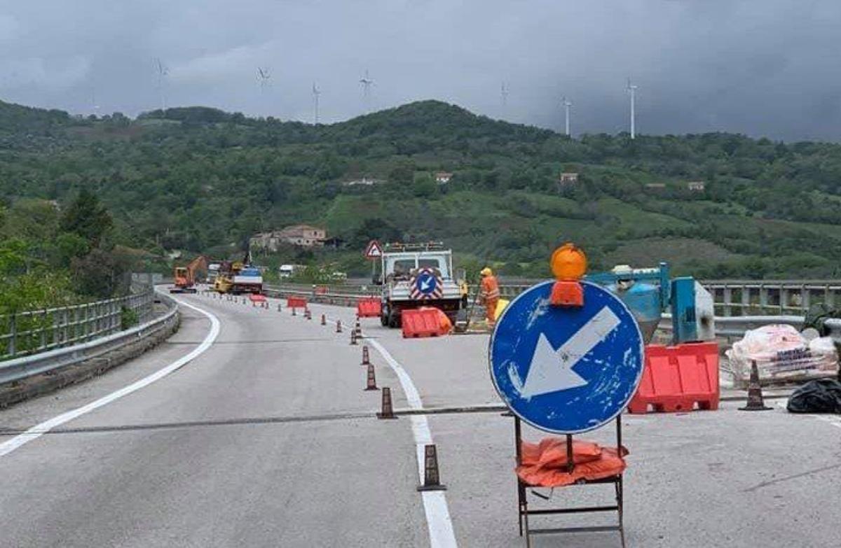 La denuncia: «Traffico impazzito a Roccella, con la nuova SS 106 chiusa»