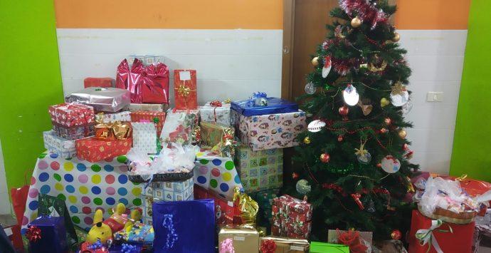 Al centro diurno arrivano i doni per i bimbi di Arghillà e Rosalì