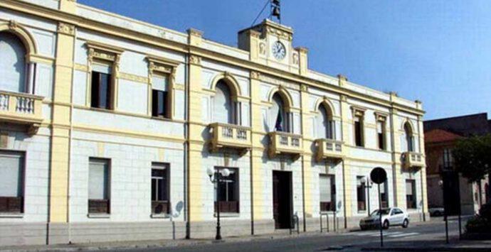 Coronavirus a Villa San Giovanni, Cosavi denuncia ritardi nei buoni spesa