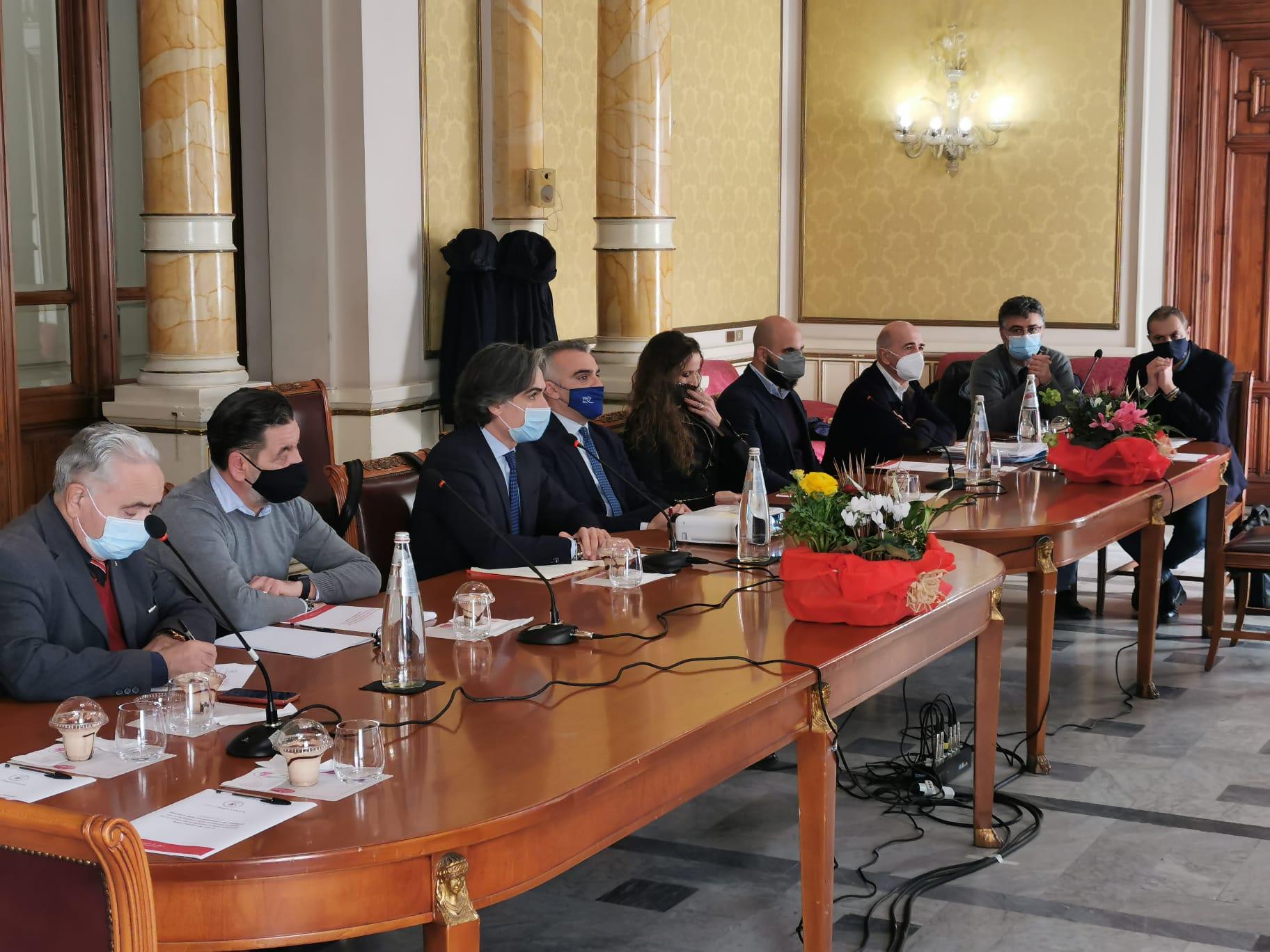 Decreto Reggio, riunione tra amministrazione comunale e vertici Mit