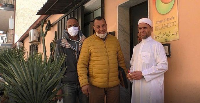 Centro islamico, una preghiera nel ricordo dell'ambasciatore Attanasio