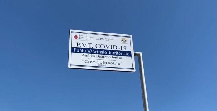 Vaccini a Siderno, prenotazioni in tilt. L'Asp corre ai ripari