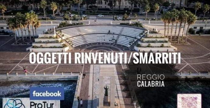 Oggetti smarriti a Reggio, un gruppo Facebook aiuta a ritrovarli facendo rete