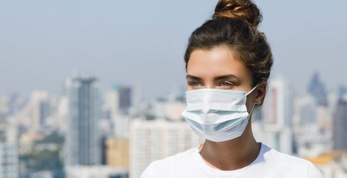Le mascherine? Non solo una protezione dal virus, ma anche dai rapporti sociali
