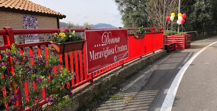 """8 Marzo, a Sant'Alessio in Aspromonte l'aiuola """"Donna meravigliosa creatura"""""""