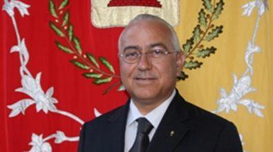 Furgone della nettezza urbana incendiato a Oppido, sindaco: «I criminali non ci fermeranno»